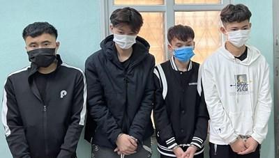 4 thanh niên lêu lổng chuyên ăn cắp điện thoại