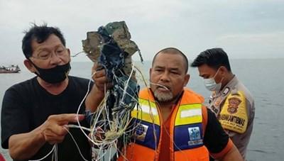 Indonesia: Tìm thấy mảnh vỡ của máy bay Sriwijaya Air bị mất liên lạc
