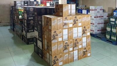 TP Hồ Chí Minh: Phát hiện kho chứa số lượng lớn rượu ngoại không có hóa đơn chứng từ