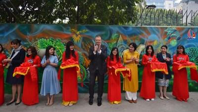 Khánh thành dự án tranh tường 'Môi trường sạch-Hành tinh xanh'