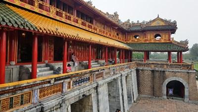 Tái hiện nghi lễ cung đình ở Ngọ Môn (Huế)