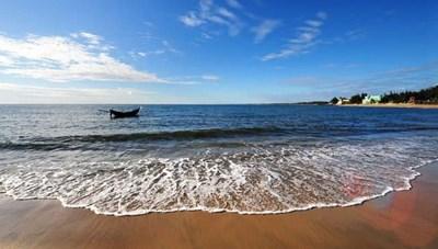 Quảng Trị khai trương mùa du lịch biển đảo vào dịp 30-4 - 1-5