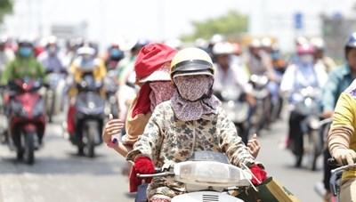 Đông Nam Bộ nắng nóng kéo dài, tia cực tím ở mức nguy hại