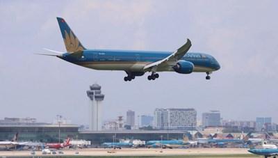 Mở cửa nhập cảnh, nối lại chuyến bay quốc tế