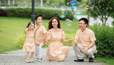 Thi ảnh 'Khoảnh khắc yêu thương' lan tỏa hạnh phúc gia đình