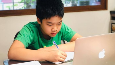 Dạy và học trực tuyến: Nhiều băn khoăn