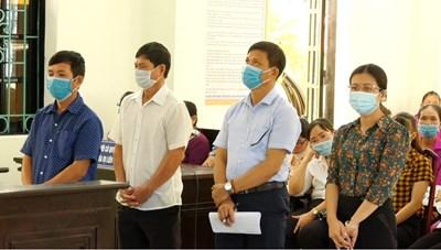 Xét xử vụ án lợi dụng chức vụ tại Thanh Hoá: Cần làm rõ các chữ ký nghi bị làm giả