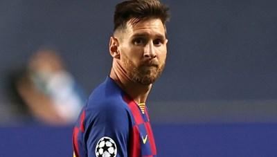 Lionel Messi từ chối hội quân theo lịch hẹn của Barca