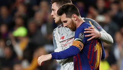 Ngôi sao Premier League mong Messi ở lại Barcelona