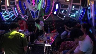Quảng Ngãi cho phép hoạt động trở lại quán karaoke, massge