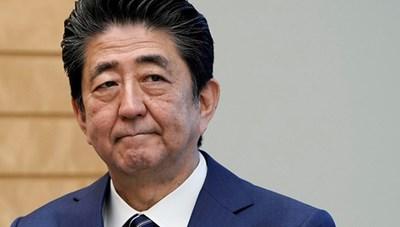 Thủ tướng Nhật Bản lần đầu vào viện sau tuyên bố từ chức