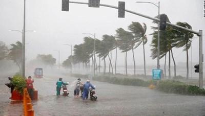 Bão số 5 đang mạnh thêm và hướng thẳng vào bờ biển Việt Nam
