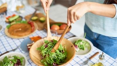 Thay đổi thói quen ăn uống giúp giảm cân