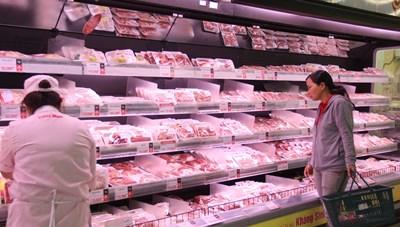 Thịt ngoại ồ ạt thâm nhập thị trường