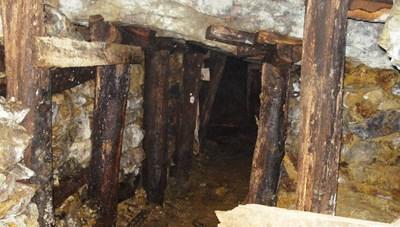 Bao giờ đóng cửa mỏ vàng Bồng Miêu?