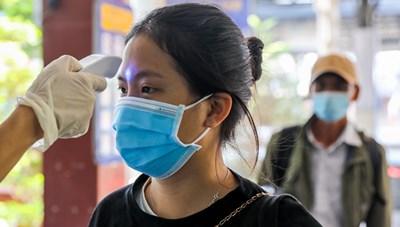 Cần cả vaccine và ý thức cộng đồng