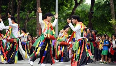 Lễ hội Văn hóa dân gian trong đời sống đương đại