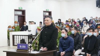 Ngày xét xử thứ 2 vụ Liên kết Việt: Trùm đa cấp quanh co hòng chối tội