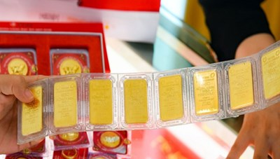 Giá vàng tiến sát mốc 56 triệu đồng/lượng