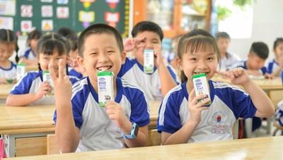 Niềm vui uống sữa học đường an toàn tại TP HCM