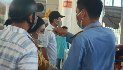 Có ca mắc Covid-19, Quảng Ngãi đưa gần 2.000 du khách rời đảo Lý Sơn