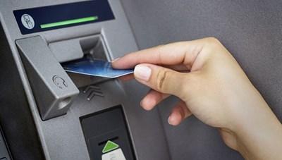 Đẩy nhanh việc chi trả lương hưu, trợ cấp qua thẻ ATM
