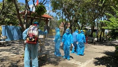 Những chiến binh quả cảm thầm lặng của CDC Quảng Nam