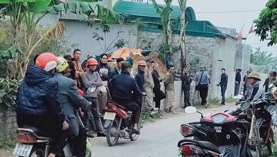 Nghệ An: Chồng ôm con chết cháy trong phòng tắm, vợ nguy kịch với nhiều vết thương nặng
