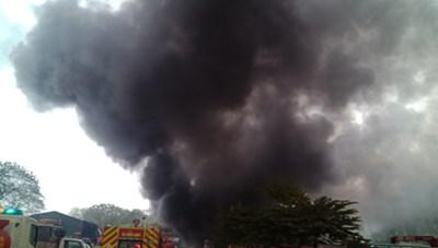 Hà Nội: Cháy kho chứa phụ kiện đám cưới gần chợ Xanh Linh Đàm