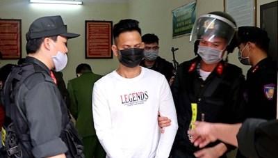Bắt tạm giam đối tượng đâm 3 người tử vong tại Hòa Bình