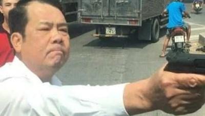 Bắt khẩn cấp 'giám đốc rút súng dọa bắn người đi đường' ở Bắc Ninh