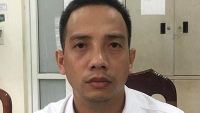Hà Nội: Khởi tố tài xế lái xe vượt đèn đỏ, đánh CSGT