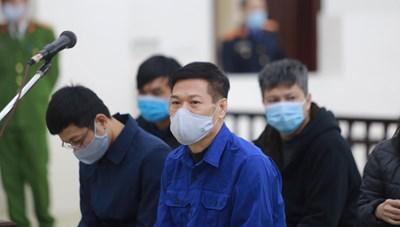 Ông Nguyễn Nhật Cảm thừa nhận hành vi sai phạm, phủ nhận thỏa thuận chia tiền hoa hồng