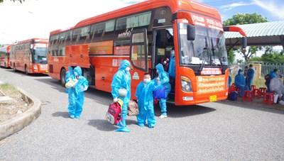 Bạc Liêu đón 170 công dân đợt 2 từ vùng dịch về quê an toàn