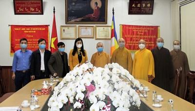 Phật giáo đồng hành trong công tác phòng chống dịch Covid-19
