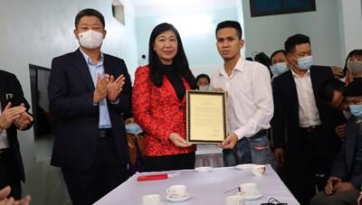 Thành phố Hà Nội khen thưởng đột xuất cho anh Nguyễn Ngọc Mạnh