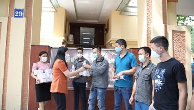 Mặt trận Hà Nội: Hỗ trợ 200 người khuyết tật bị ảnh hưởng do dịch bệnh Covid-19