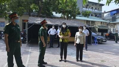 Thực hiện nghiêm túc Chỉ thị 17 của TP Hà Nội và mô hình phát phiếu đi chợ