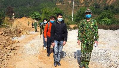 Lạng Sơn: Phát hiện và đưa đi cách ly 23 công dân nhập cảnh trái phép