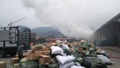 Quảng Ninh: Cháy kho hàng trong cửa khẩu Bắc Phong Sinh