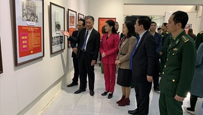 Hải Phòng: Triển lãm ảnh chào mừng Đại hội Đảng toàn quốc lần thứ XII