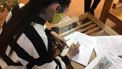 Quảng Ninh: Một tiểu thương bị phạt 2 triệu đồng vì không đeo khẩu trang