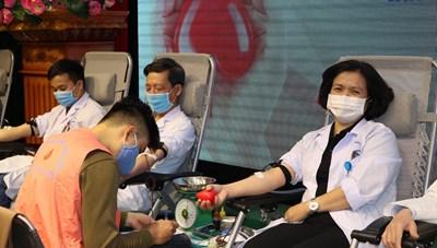 Hải Phòng: Tập thể Y Bác sĩ hiến được gần 400 đơn vị máu