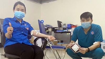 Quảng Ninh: 2 Đoàn viên thanh niên hiến máu cứu sản phụ qua cơn nguy kịch
