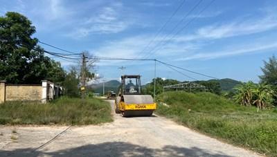 Quảng Ninh: Hoàn trả đường bị xuống cấp do thi công đê Đồng Rui