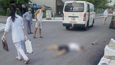 Quảng Ninh: Xe nâng cán chết một người phụ nữ đi bộ bên đường