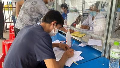 Quảng Ninh: Không bắt buộc người lao động, người già, trẻ em phải tiêm đủ 2 mũi vaccine khi vào tỉnh