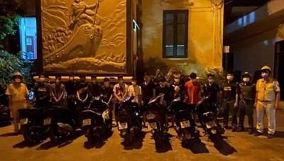 Hải Phòng: Liên tiếp bắt, giữ các nhóm thanh thiếu niên đua xe, tấn công cảnh sát