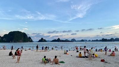 Quảng Ninh: Mở lại một số hoạt động du lịch nội tỉnh từ 0h ngày 21/9