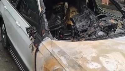 Quảng Ninh: Xế hộp tiền tỷ bất ngờ bốc cháy giữa đêm
